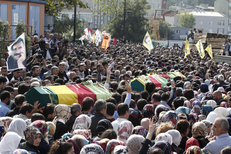 Funeral de algunas de las víctimas del doble atentado de Ankara, este 12 de octubre en Estambul.