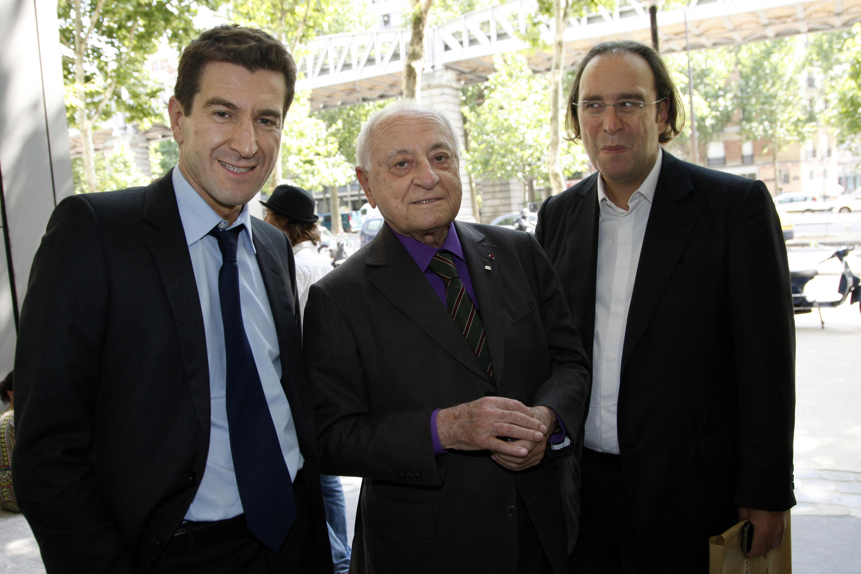 De gauche à droite : Matthieu Pigasse, Pierre Bergé et Xavier Niel, au siège du journal «Le Monde».