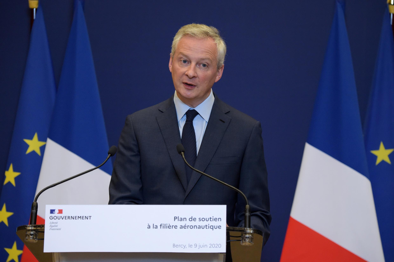 El ministro de Economía de Francia, Bruno Le Maire, informa sobre el plan de apoyo al sector aeronáutico el 9 de junio de 2020 en París