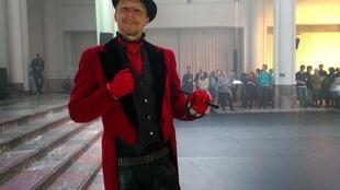 Uno de los artistas circo de Bruselas durante el lanzamizento de Focus Circus.