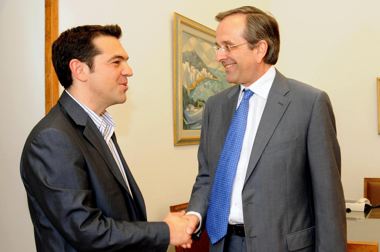 El líder de Syriza, Alexis Tsipras, y el de Nueva Democracia, Antonis Samarás, en el Parlamento griego, este 7 de mayo de 2012.
