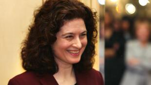 Ursula Gauthier, fotografiada en 2003 en Paris tras obtener uno de los premios Louis Hachette, gracias a uno de sus artículos sobre China.
