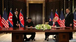 美国总统特朗普和金正恩12日在新加坡举行了历史的会晤  2018年6月12日