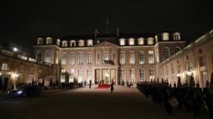 O palácio do Eliseu terá em breve novo serviço de pratos.