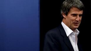 Ministro argentino da Fazenda, Alfonso Prat-Gay, explicará ao Parlamento os detalhes do acordo sobre o fim da moratória na Argentina.