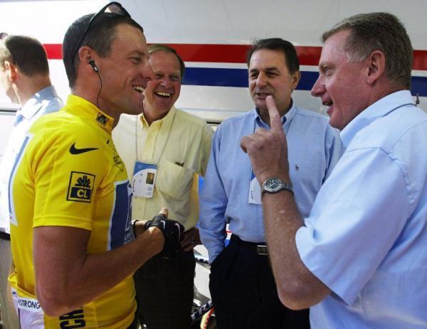 Lance Armstrong et Hein Verbruggen lors du Tour de France 2002.