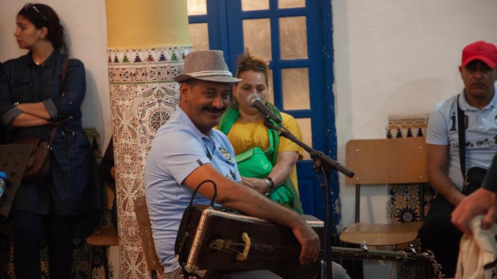 Maâlem Hamid El Kasri en répétition.
