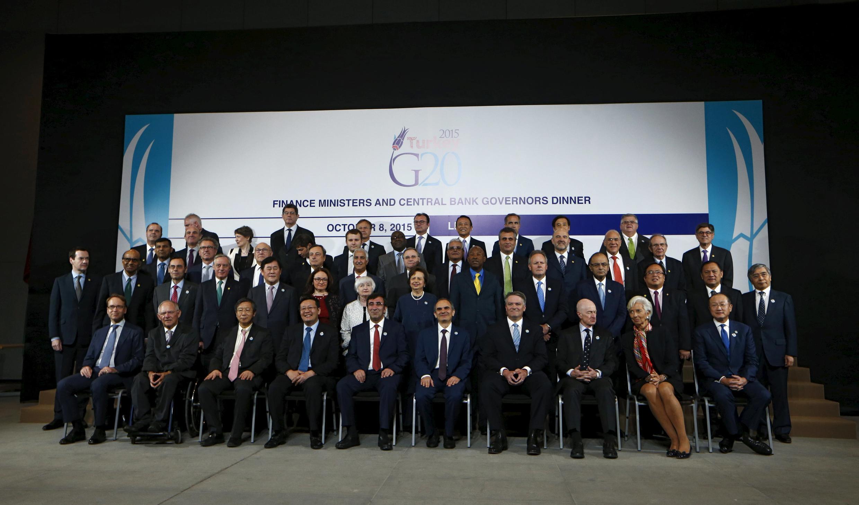 Các định chế quốc tế họp tại thủ đô Peru cho biết cần có một nguồn tài chính dồi dào để giúp đỡ người tị nạn. Ảnh Bộ trưởng Tài chính khối G20 cùng với lãnh đạo các định chế tài chính quốc tế, G20, Lima, ngày 09/10/2015.