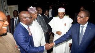 Senegalese president Macky Sall and  Nigerian president Buhari's team in Dakar
