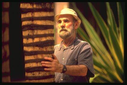 Auto-retrato de Frans Krajcberg, na Amazônia.