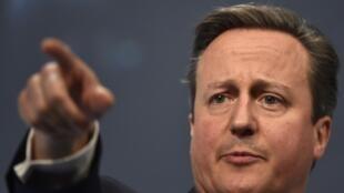 David Cameron quer intervenção militar na Síria