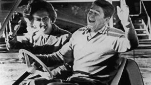 Margaret Thatcher và cố thổng thống Mỹ Ronald Reagan trong cuộc gặp tại Camp David, Hoa Kỳ 22/12/1984.