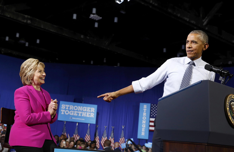 A candidata democrata, Hillary Clinton, e o presidente norte-americano, Barack Obama, durante comício nesta terça-feira (5) em Charlotte, na Carolina do Norte.