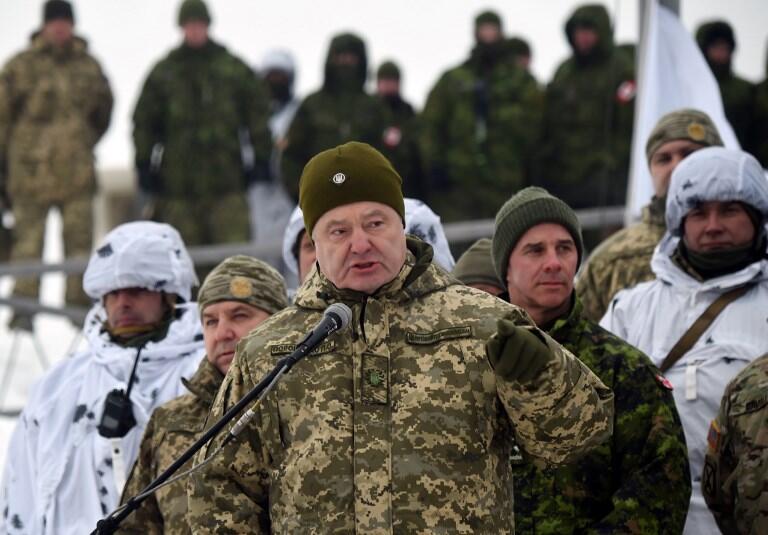 Tổng thống Ukraina Petro Porochenko hôm 03/12/2018 ở làng Goncharivske, gần biên giới Nga.