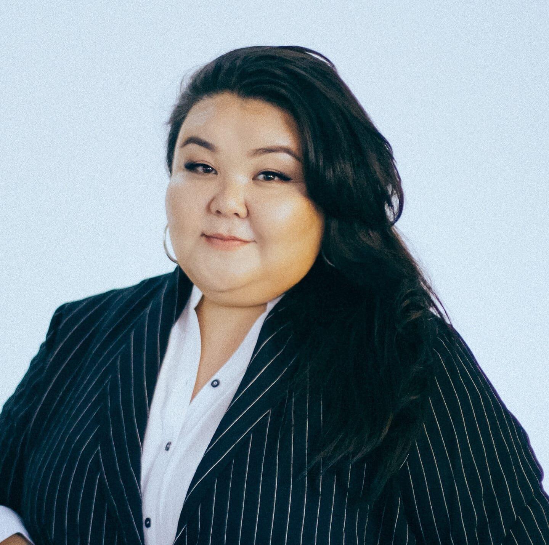 Айжан Мырсан — писатель, актриса, блогер и кандидат в депутаты от партии «Социал-демократы Кыргызстана»