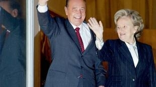 Jacques Chirac with his wife, Bernadette Chirac on the eve of the second-round of France's 2002 presidential election on 5 May, 2002