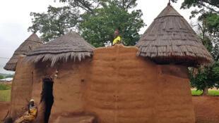 Les Tata Somba ce sont les habitats traditionnels des peuples Otammari ou Bètammaribè au Bénin.