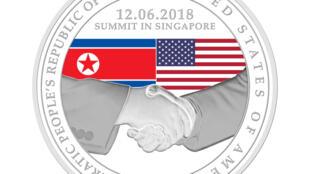 Singapore đúc đồng kỷ niệm cuộc họp thượng đỉnh Trump - Kim Jong Ảnh ngày 05/06/218.