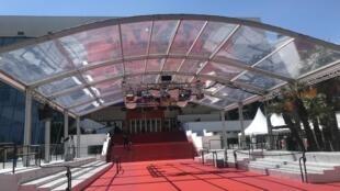 Le tapis rouge de Cannes pour la 72e édition du ferstival.