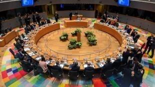 A Bruxelles, les Vingt-Sept planchent sur la difficile équation du budget européen.