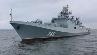 Venant de la baie de Sébastopol, la frégate Admiral Grigorovich va désormer croiser en mer Méditerranée.