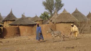 La FAO a élaboré des directives pour protéger les droits fonciers des populations locales.