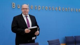 «Nous ne vendons pas les bijoux de famille», dit le ministre allemand de l'Économie, Peter Altmaier (notre photo).