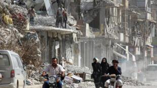 """La operación """"mató a centenares de civiles, hirió a un número mucho mayor y destruyó gran parte de la ciudad de Raqa"""", afirmó Amnistía Internacional."""