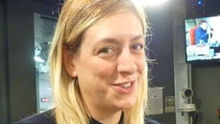 Tanya Beyeler en los estudios de RFI.