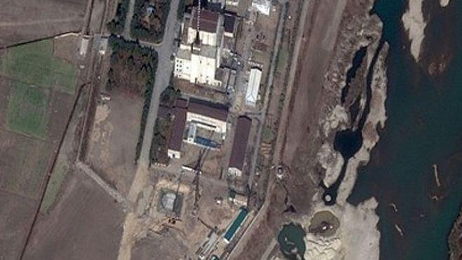 Theo giới chuyên gia, Bắc Triều Tiên xây dựng thêm tại Yongbyon một cơ sở trang bị máy ly tâm để tinh lọc uranium - Reuters