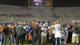 Lors du match Sénégal-Côte d'Ivoire comptant pour la CAN 2013, arrêté après des débordements de supporters sénégalais.