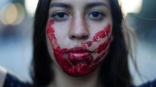 Joven manifestante en Santiago de Chile, el 31 de octubre de 2019.