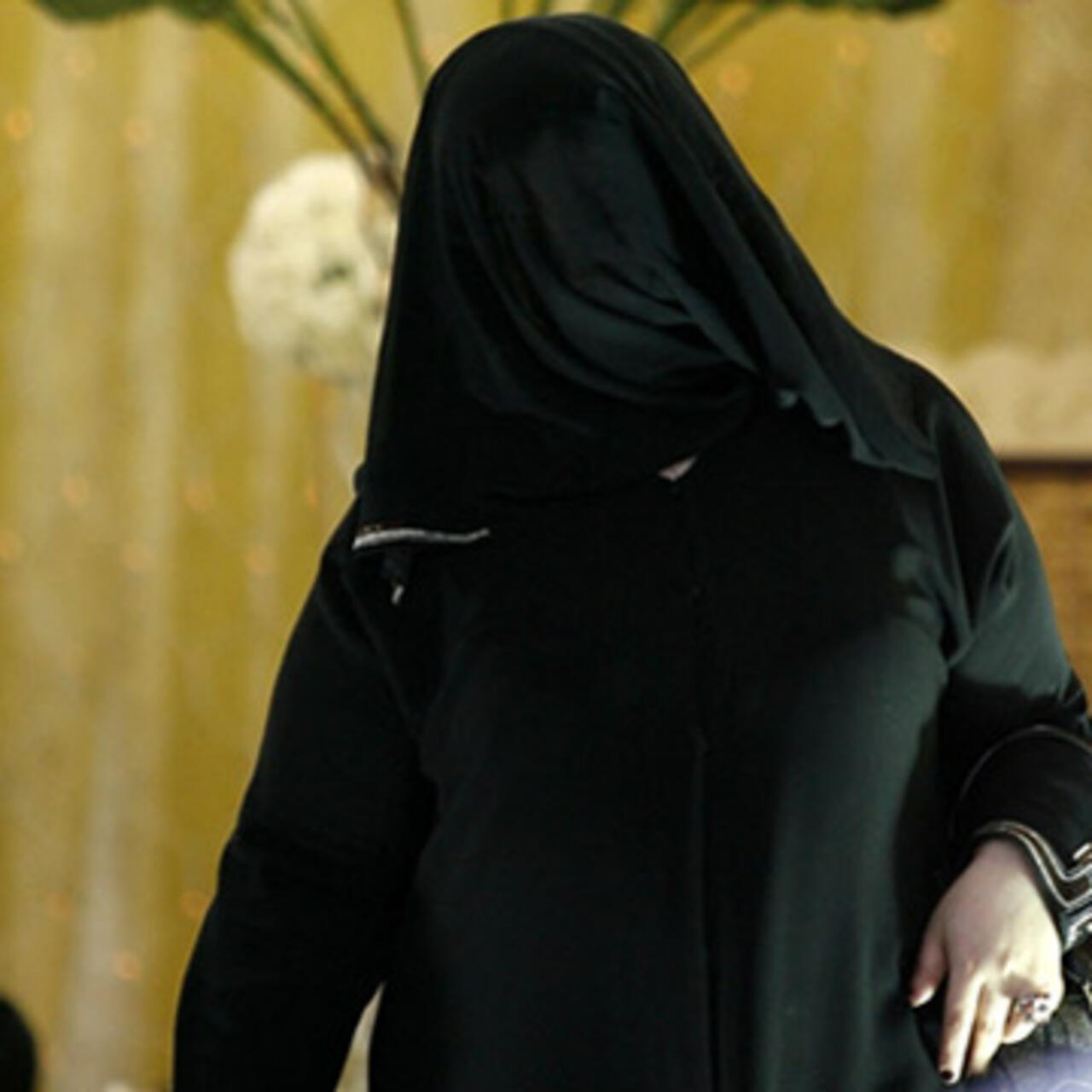 je cherche une femme saoudienne pour mariage)