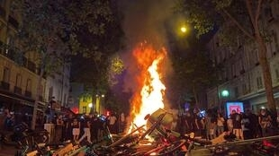 Manifestation contre les violences policières à Paris en France, le 2 juin 2020.