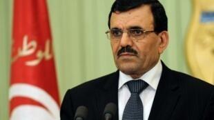 علی العریض- رئیس دولت تونس، مورد حملات شدید جهادگران سلفی قرار دارد