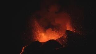 Vulcão da ilha do Fogo intensifica actividade