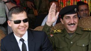 Архивное фото. Борис Буайон (слева) во времена работы послом в Ираке. Март 2010