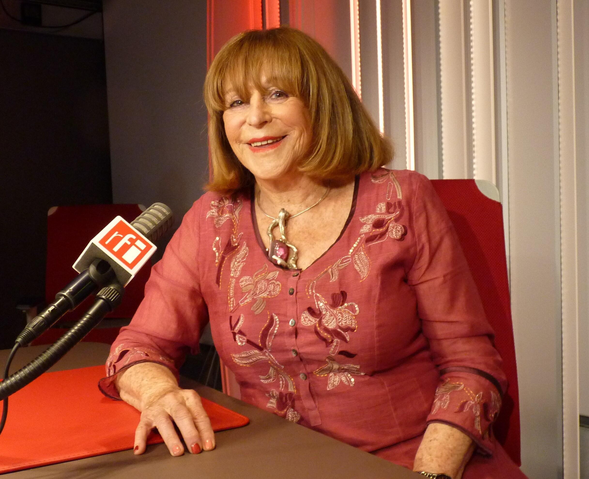 La escultora francesa Monique Rozanès en RFI