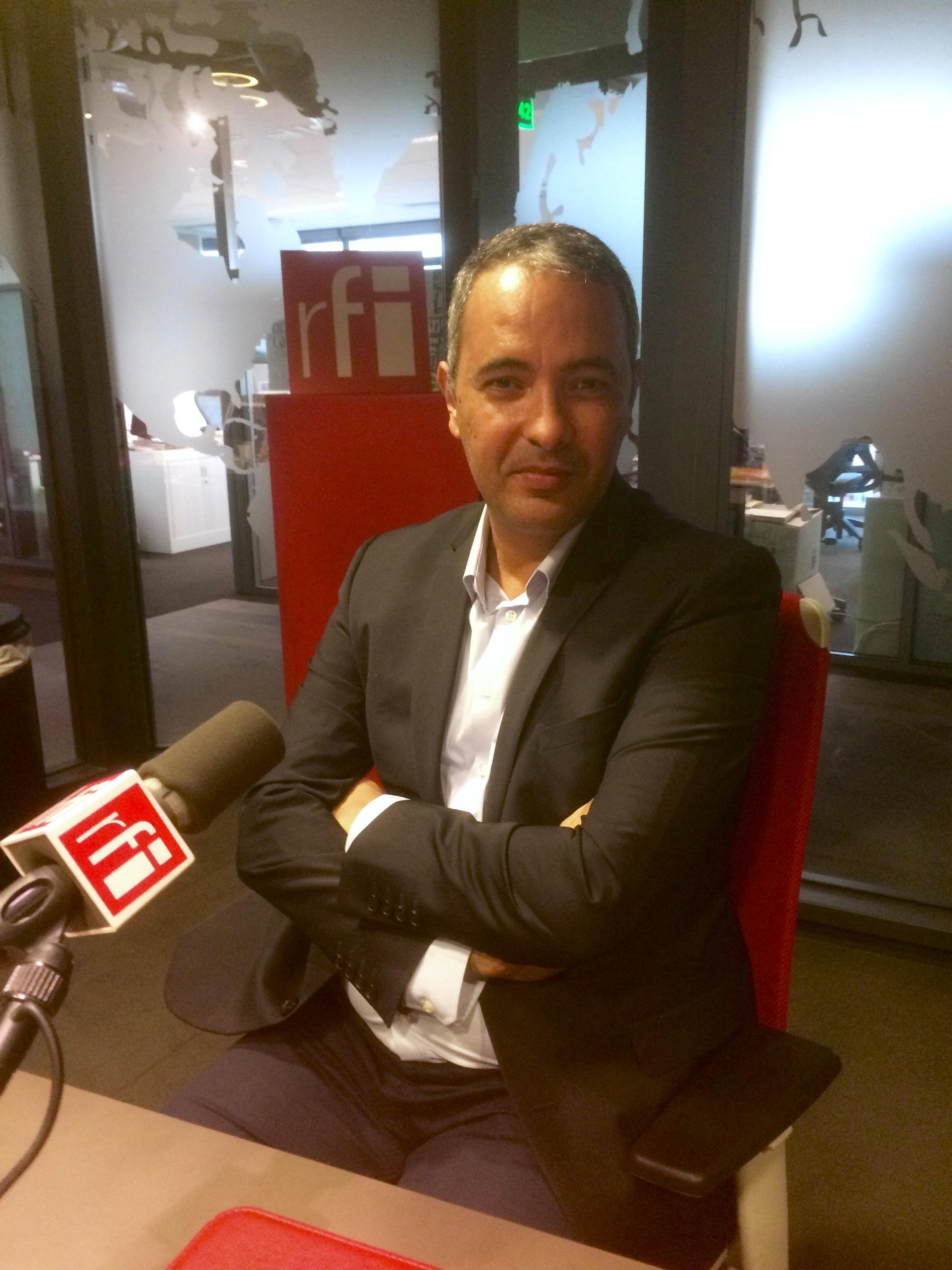 L'écrivain algérien Kamel Daoud en studio.