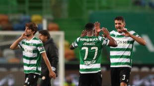 Jovane Cabral (centro), avançado luso-cabo-verdiano, e Zouhair Feddal (direita), defesa marroquino, apontaram os dois golos do Sporting CP no triunfo por 2-0 frente ao Nacional da Madeira.