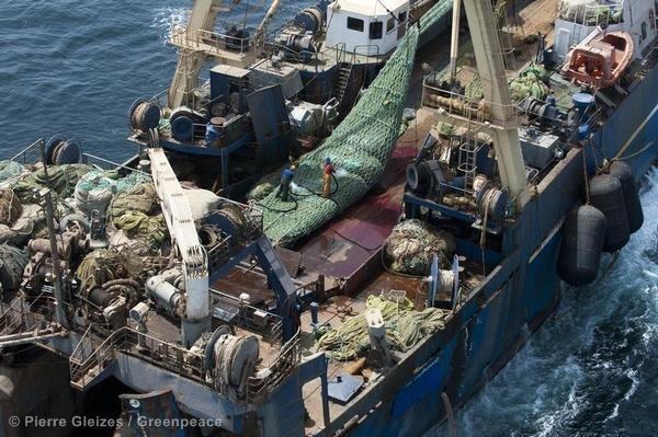 Un barco de pesca en aguas senegalesas. Imagen de ilustración.