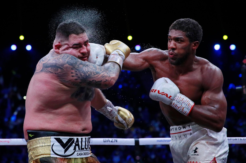 Le Britannique Anthony Joshua (à droite) a gagné le combat revanche contre le Mexicain Andy Ruiz Jr, le 7 décembre 2019.