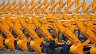 中国上海一家生产推土机的厂家,摄于2011年3月1日。
