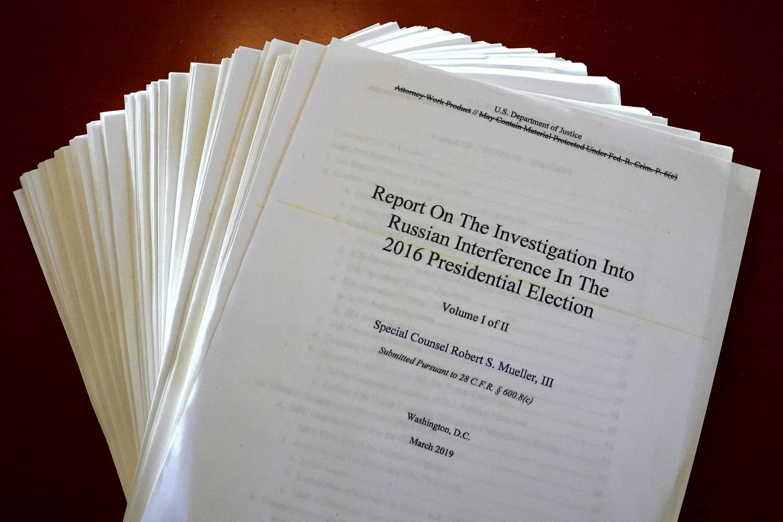 O Relatório Mueller sobre a investigação da interferência russa nas eleições presidenciais de 2016 é fotografado em Nova York, em 18 de abril de 2019.