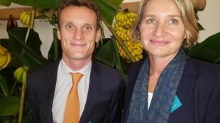 Gauthier Fischel (à gauche), vice-président distribution et marketing, Compagnie Fruitière, membre de l'Association interprofessionnelle de la banane, et Véronique Le Bail (à droite), déléguée générale de l'Association interprofessionnelle de la banane.