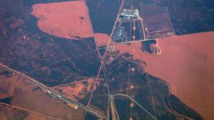 Une vue aérienne montrant l'extraction de minerai de fer à Port Hedland en Australie, le premier fournisseur mondial et qui a dû stopper sa production à cause d'un cyclone.
