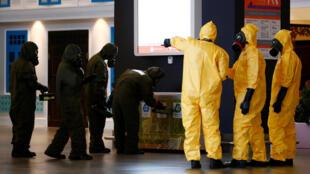 馬來西亞安全人員2月26日繼續在吉隆坡二號機場搜尋劇毒殘留。