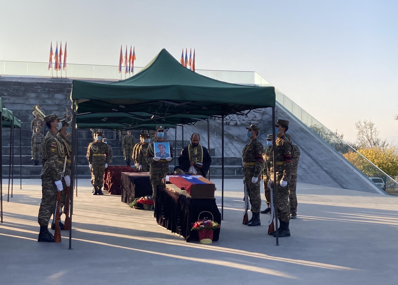 Военное кладбище Ераблур. Ереван. 9 ноября 2020 г.