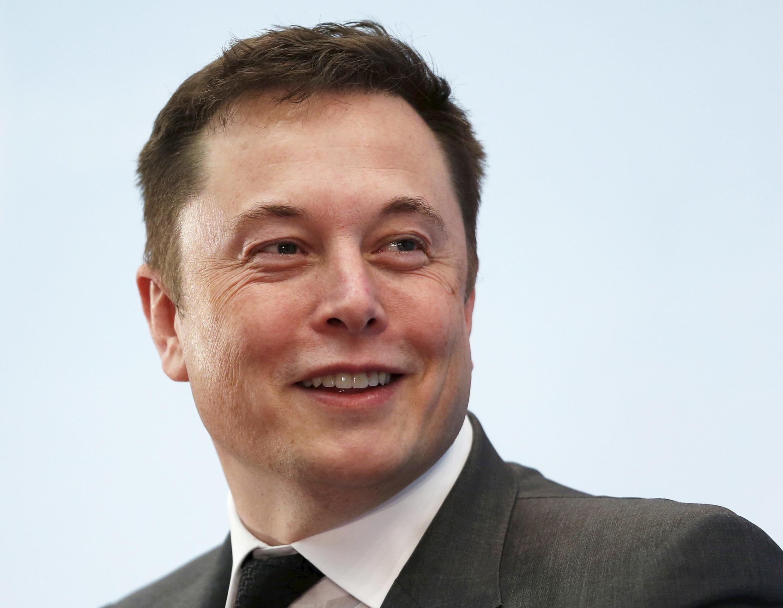 លោក Elon Musk អគ្គនាយក និងជាស្ថាបនិក Tesla និង Space X