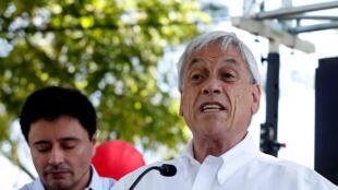 Sebastián Piñera en un mitin en Santiago durante la campaña electoral.